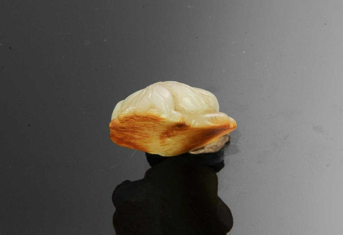 Jade Lotus & Shell Carving, 18th C. or Earlier - 3