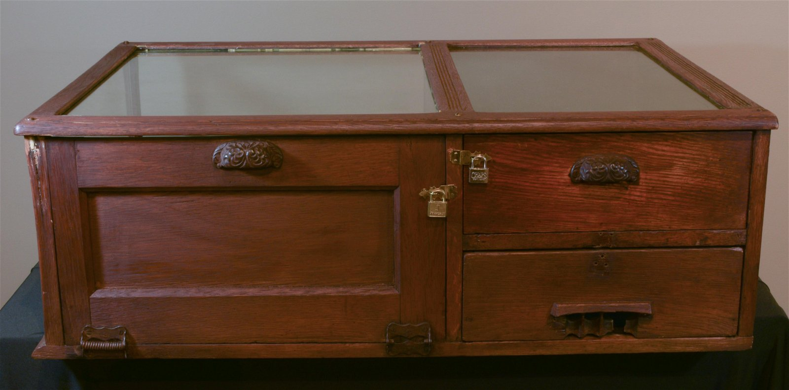 Oak Country Store Showcase with Cash Drawer