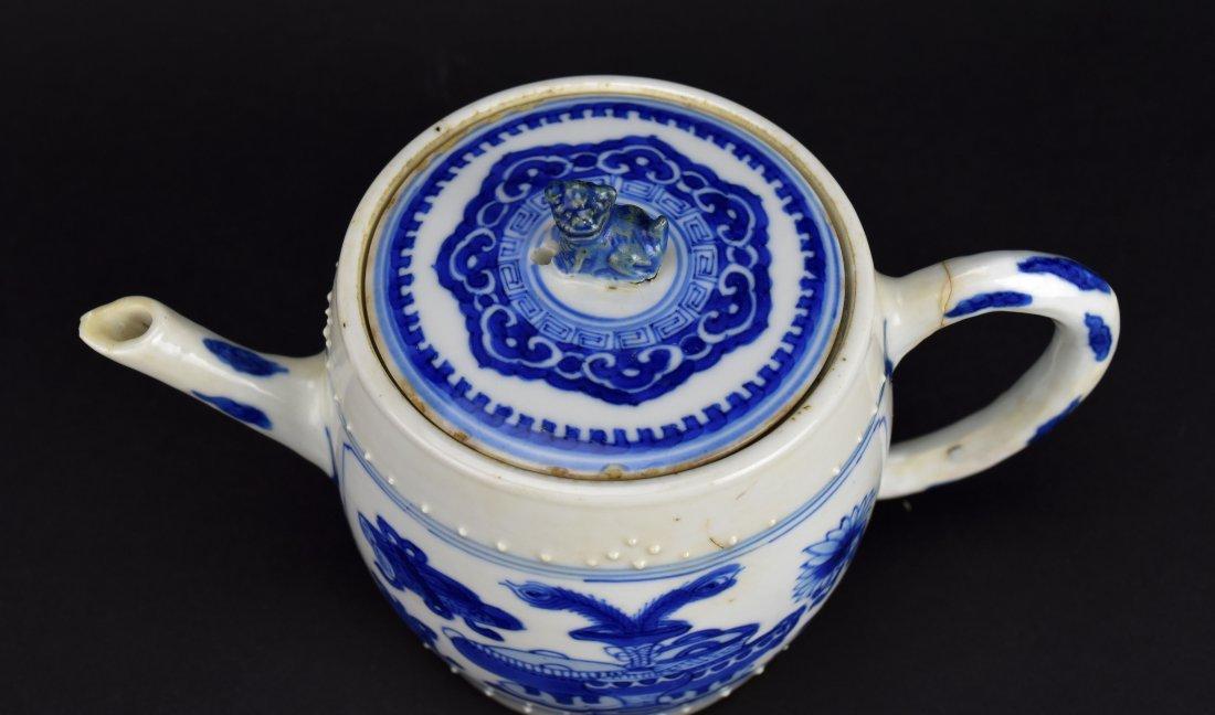 Blue & White Teapot, Kangxi Period - 2