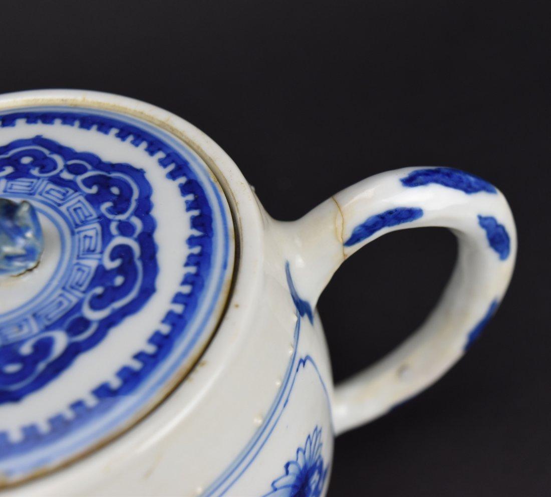 Blue & White Teapot, Kangxi Period - 3