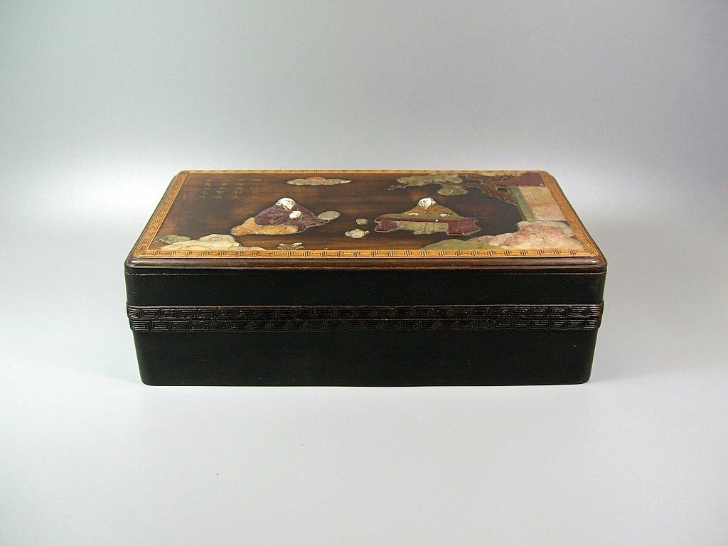 Unusual and Rare Hardstone Embellished Zitan Box - 2