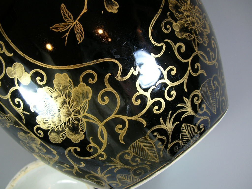 19th Century Gilt and Black Ovoid Jar with Cover - 5