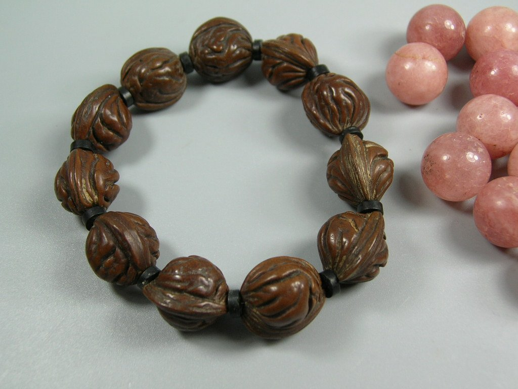 17 Old Tourmaline Beads and a Nut Bead Prayer Bracelet - 2