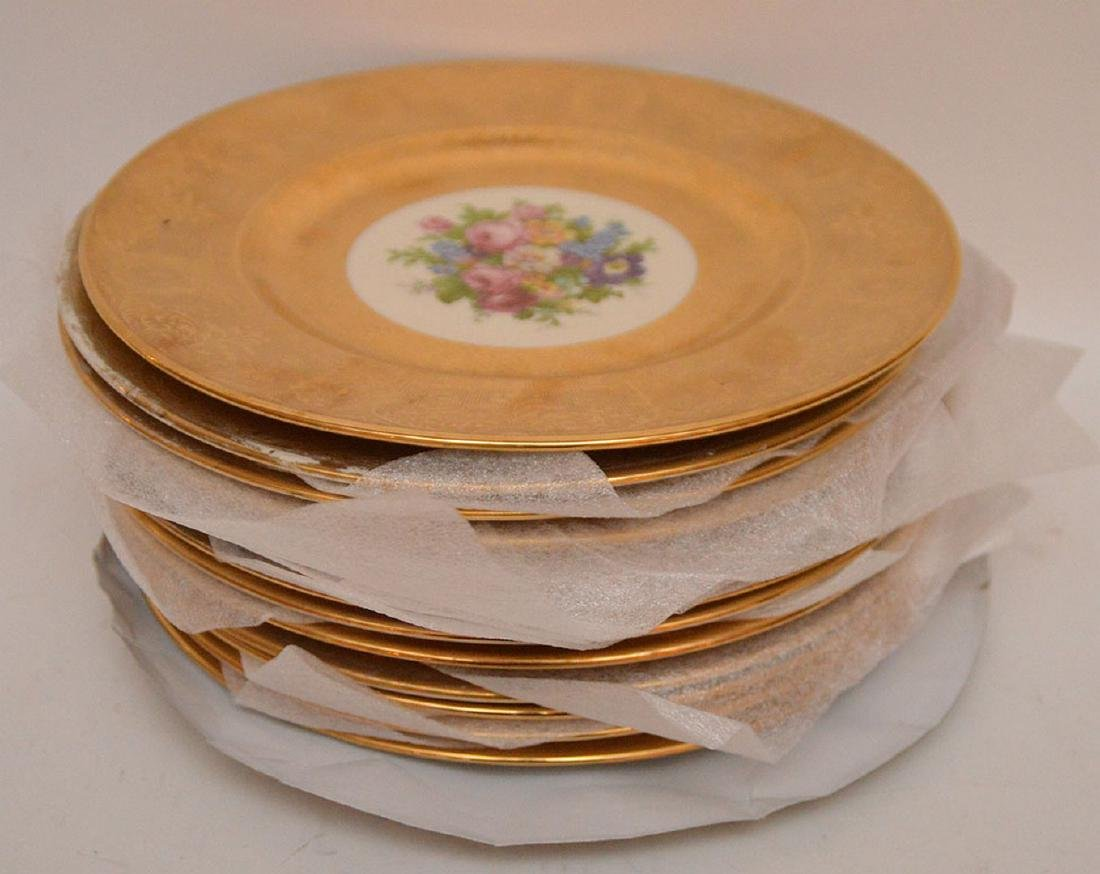 Set 12 Plates with gilt rims.  Condition: some gold is - 7