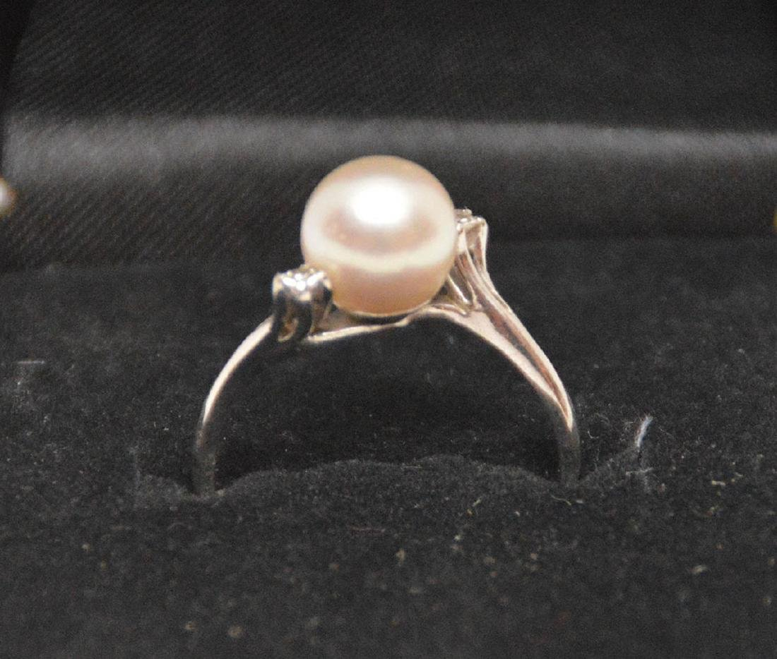 Pearl ring with 2 diamonds, 18kt white gold - 2