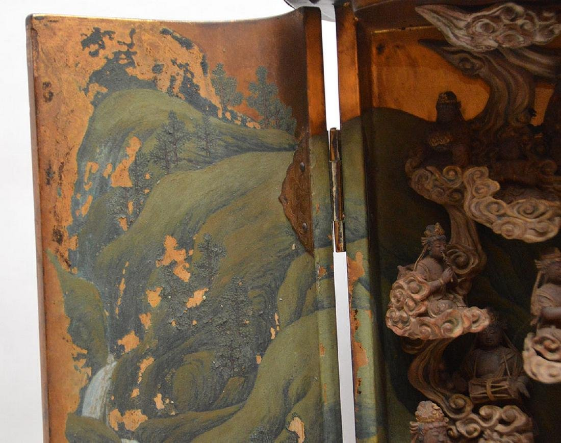Japanese enclosed lacquered altar with brass fittings, - 7