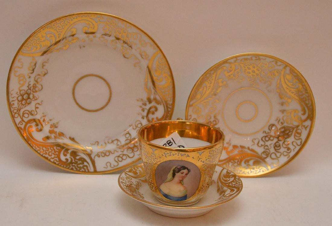 4 pieces Paris porcelain, 3 plates & portrait cup