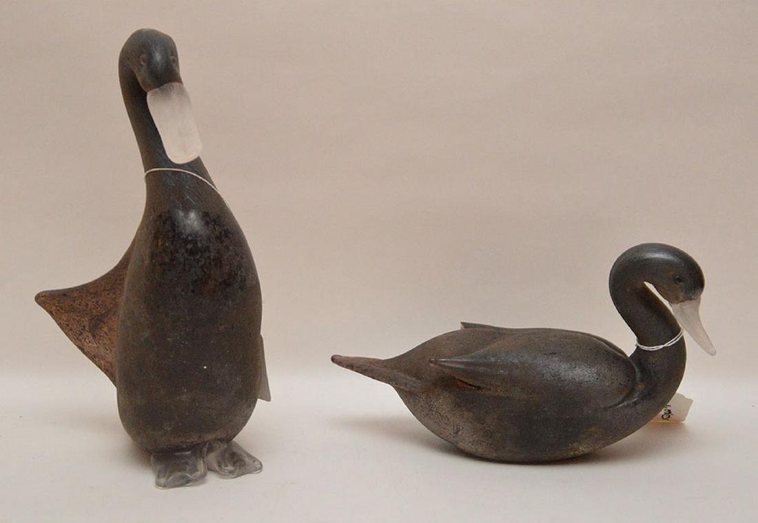 """Pair of art glass swans, 13""""h and 12""""L"""