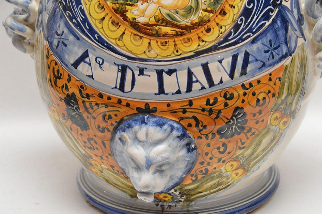 Italian pottery lidded jar - 3