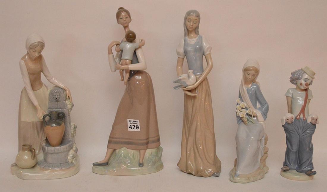 5 assorted Lladro & Nao figures