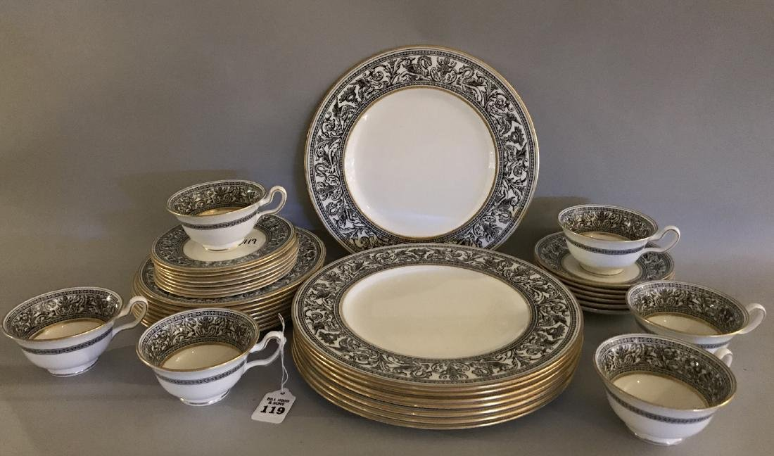 36 Pieces Wedgwood Partial Dinner Service.  8 Dinner