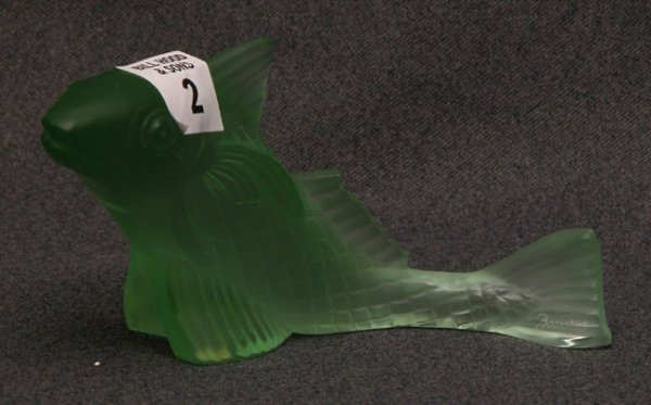 "1002: Baccarat green fish, 6""l x 3""h"