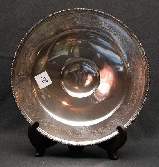 20: Gadrooned monogrammed decorated sterling dish,12oz,