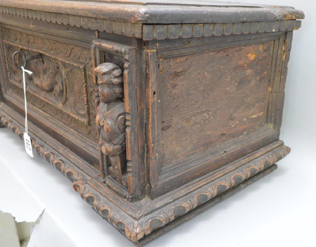 Continental 19th c. carved casket for jewels or - 4
