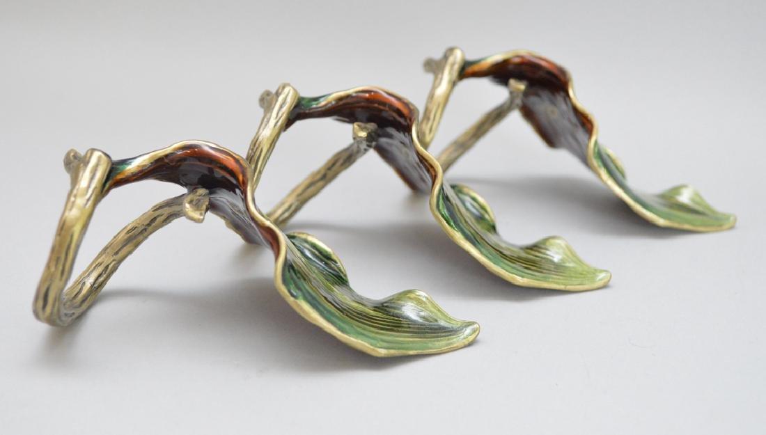 8 Jay Strongwater Bronze & Enamel Napkin Rings. - 4