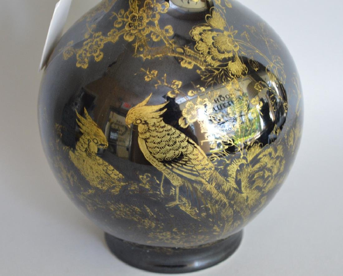 Chinese Porcelain Vase with gilt decoration on a black - 2