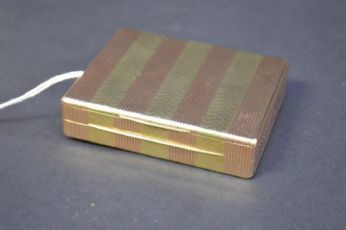 14K Gold Cartier Ladies Compact.  Condition: good. 2