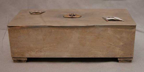 18: Sterling footed box, lined for humidor use, 3 Briti