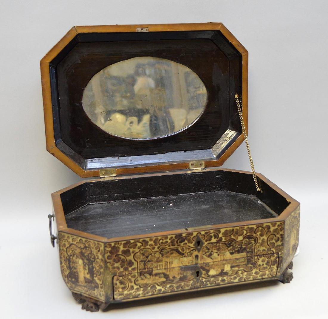 Chinese Lacquer Box With Chinoiseries Decoration. - 5