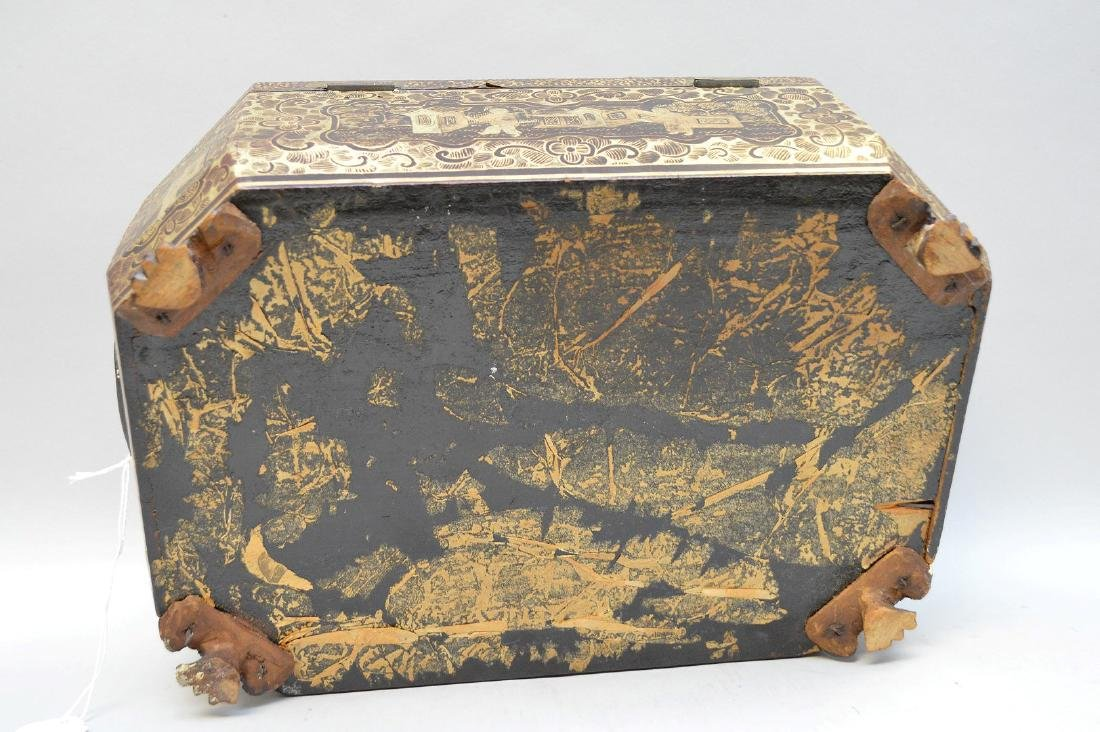 Chinese Lacquer Box With Chinoiseries Decoration. - 8