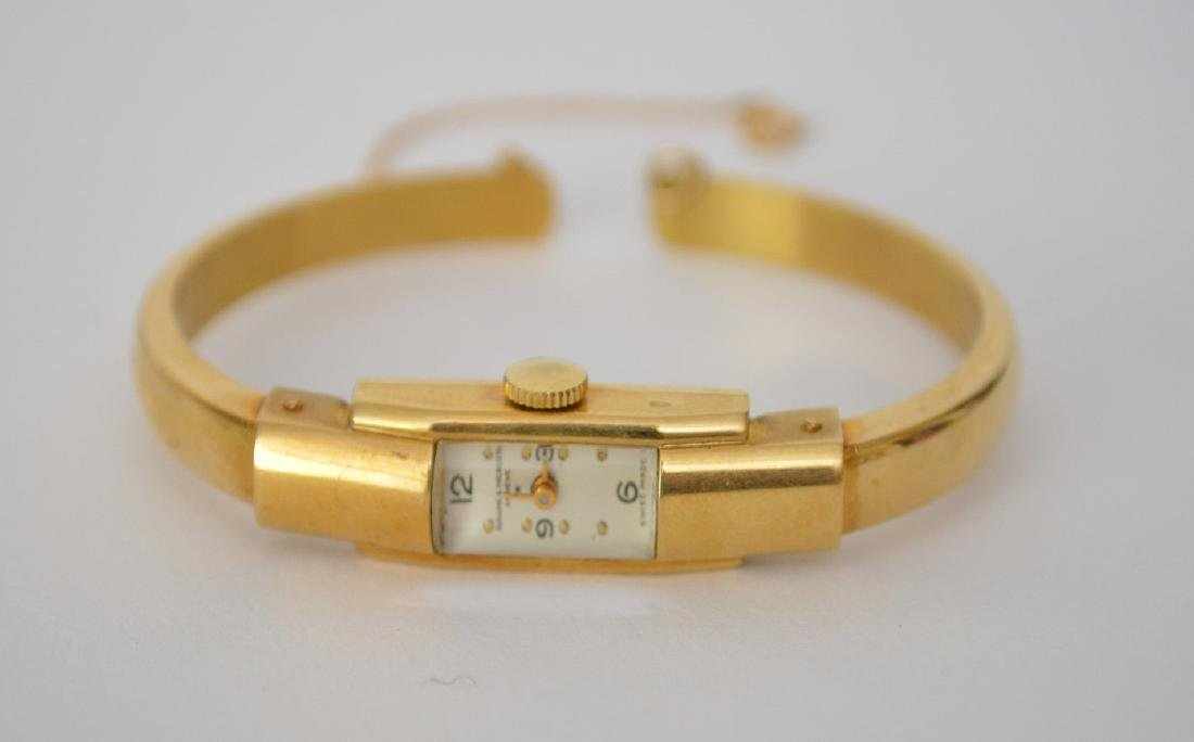 18K Yellow Gold Ladies Baume Mercier Watch.  Dia. 2