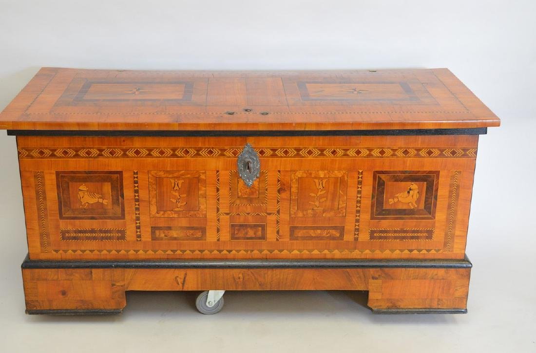 Linen/blanket chest 19th c, inlay panels at front and