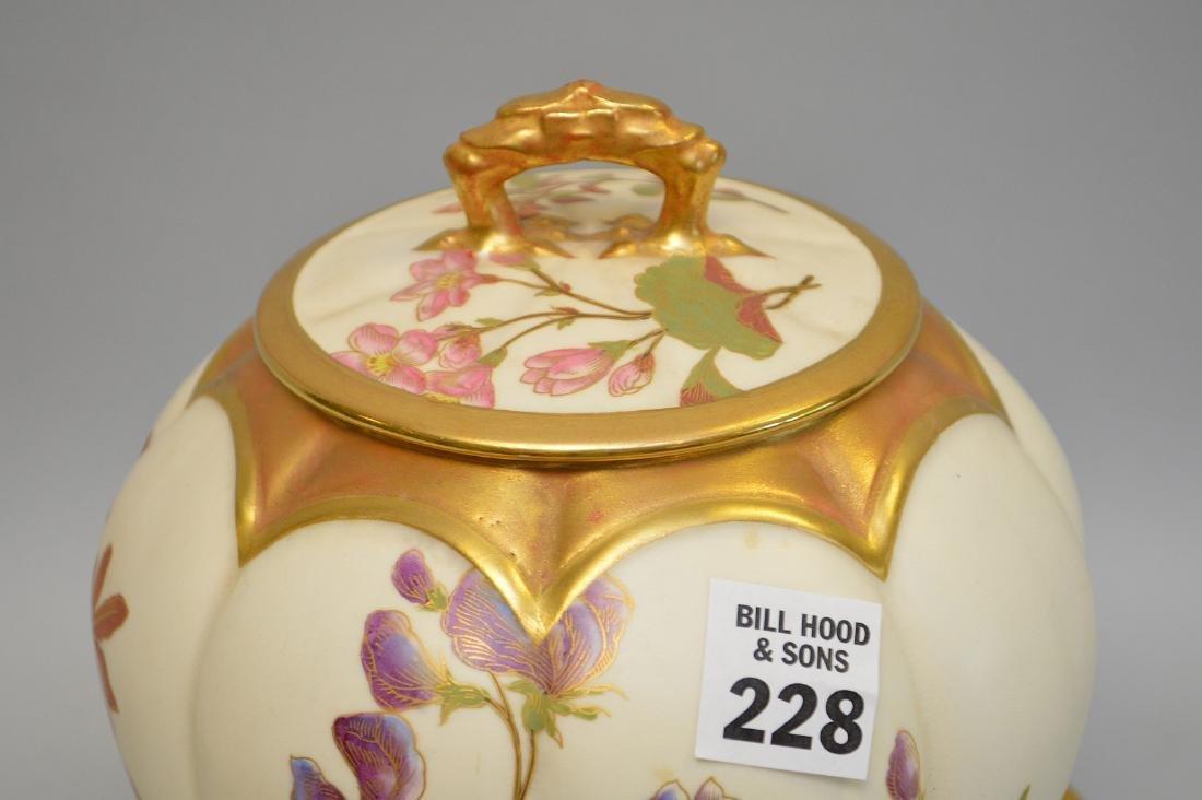 Royal Worcester biscuit jar with floral design, lid and - 2