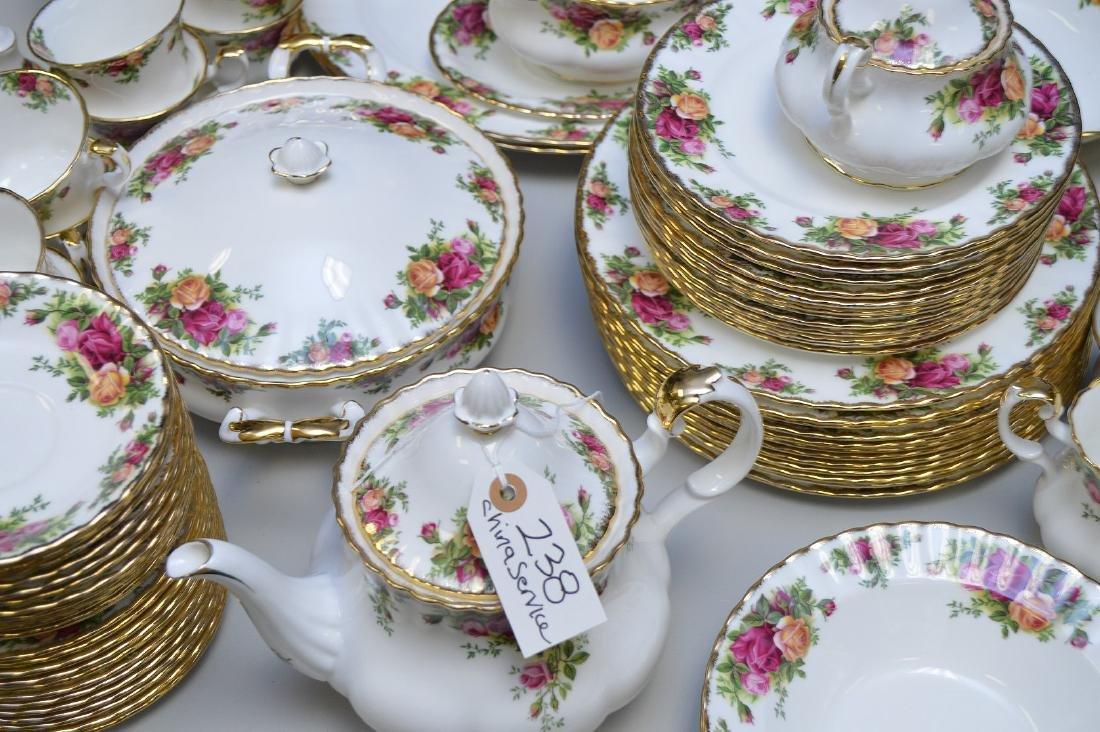 Royal Albert chinaware, incl; 12 dinner plates, 12 - 2