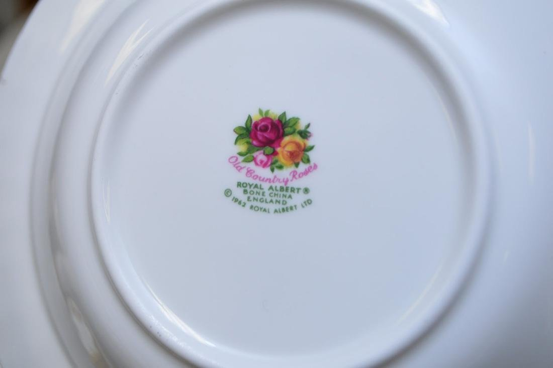 Royal Albert chinaware, incl; 12 dinner plates, 12 - 4