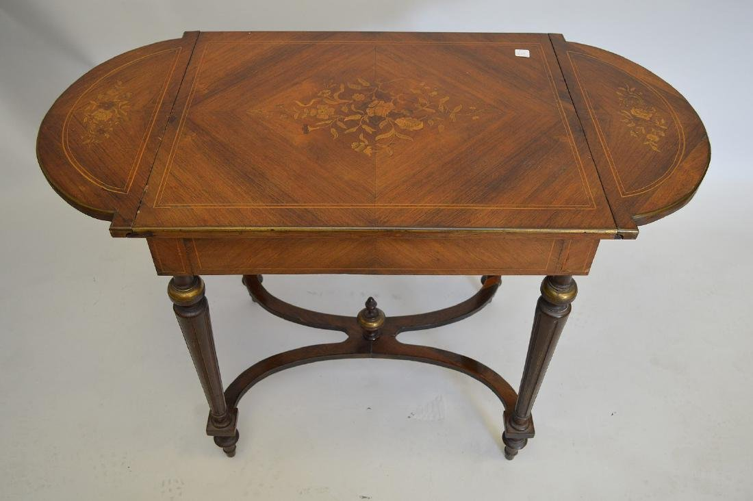 Mahogany marquetry occasional/sofa table with hinged