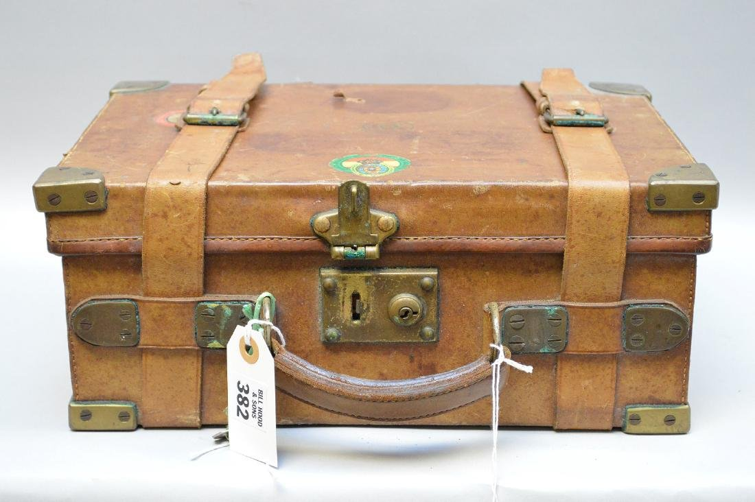 Leather ammunition carrying case complete with vintage