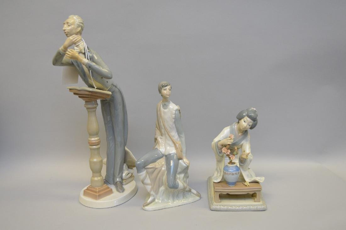 Lot of 3 Lladro porcelain figures, Maestro, Geisha and