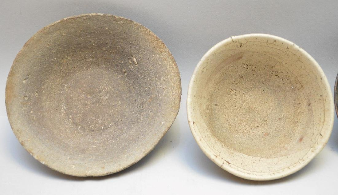 Four Early Asian Ceramic Bowls - Tea bowl with matte - 6