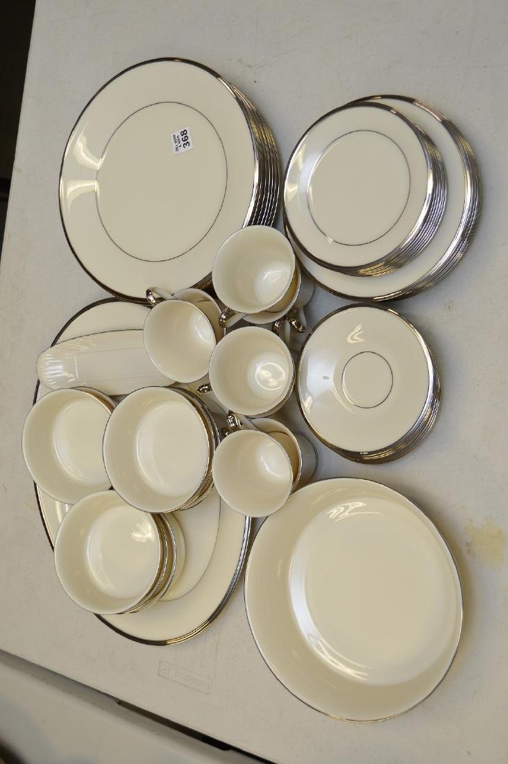 """Lenox china """"Solitaire"""", incl; 8 dinner plates, 8"""