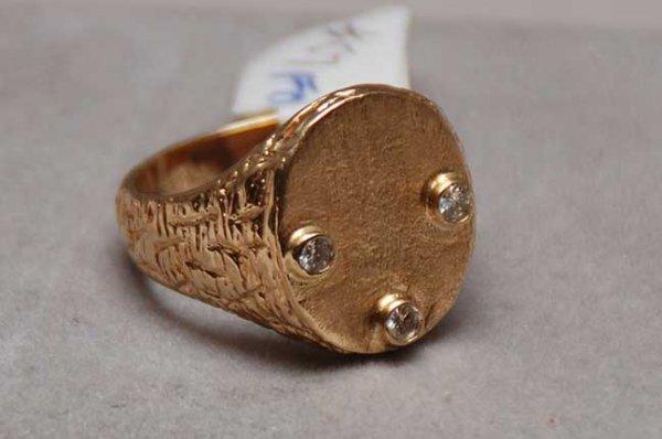 1022A: 14kt Signet ring 3 bezel set 2.5mm diamonds