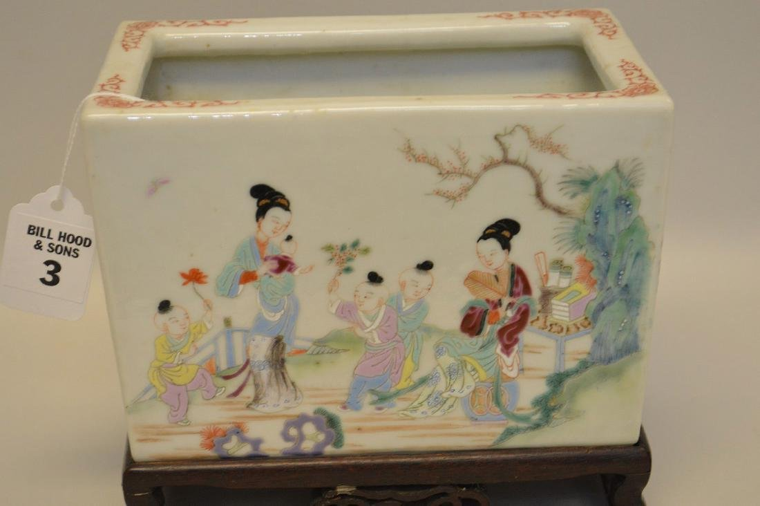 Chinese Famille Rose Porcelain Pot with custom carved - 2