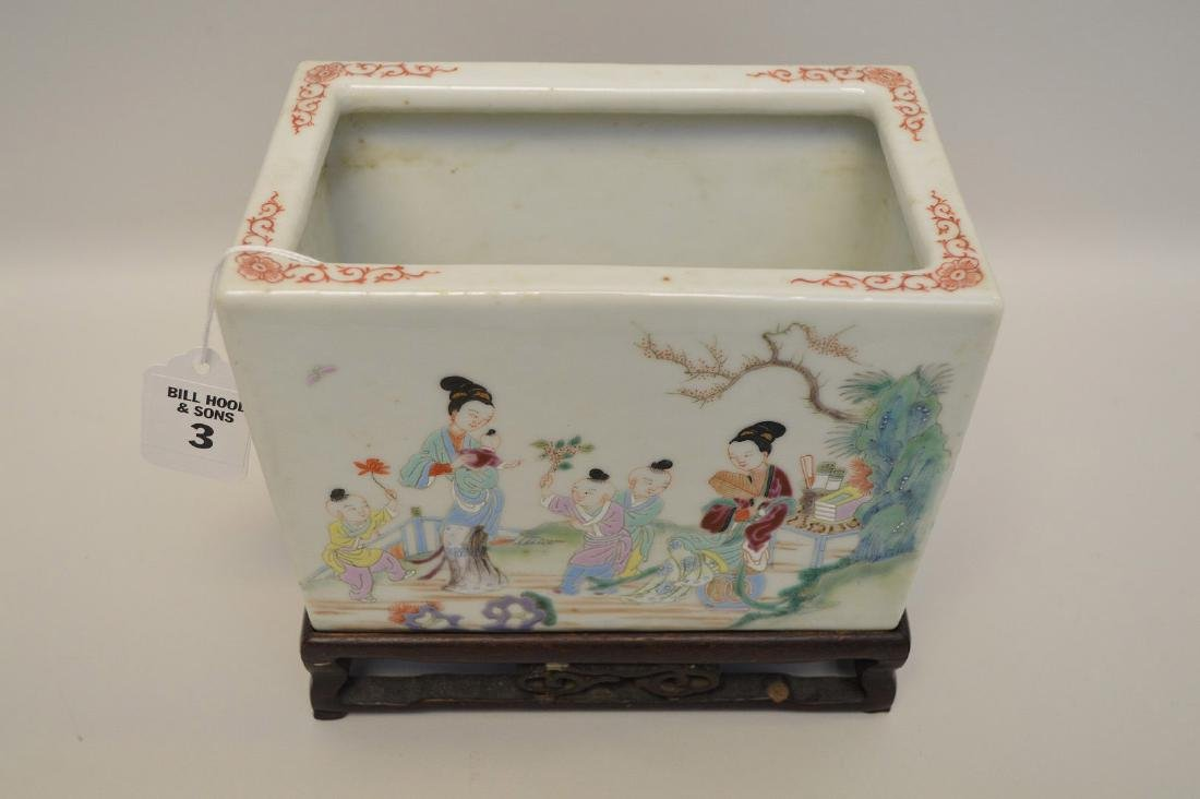 Chinese Famille Rose Porcelain Pot with custom carved - 3
