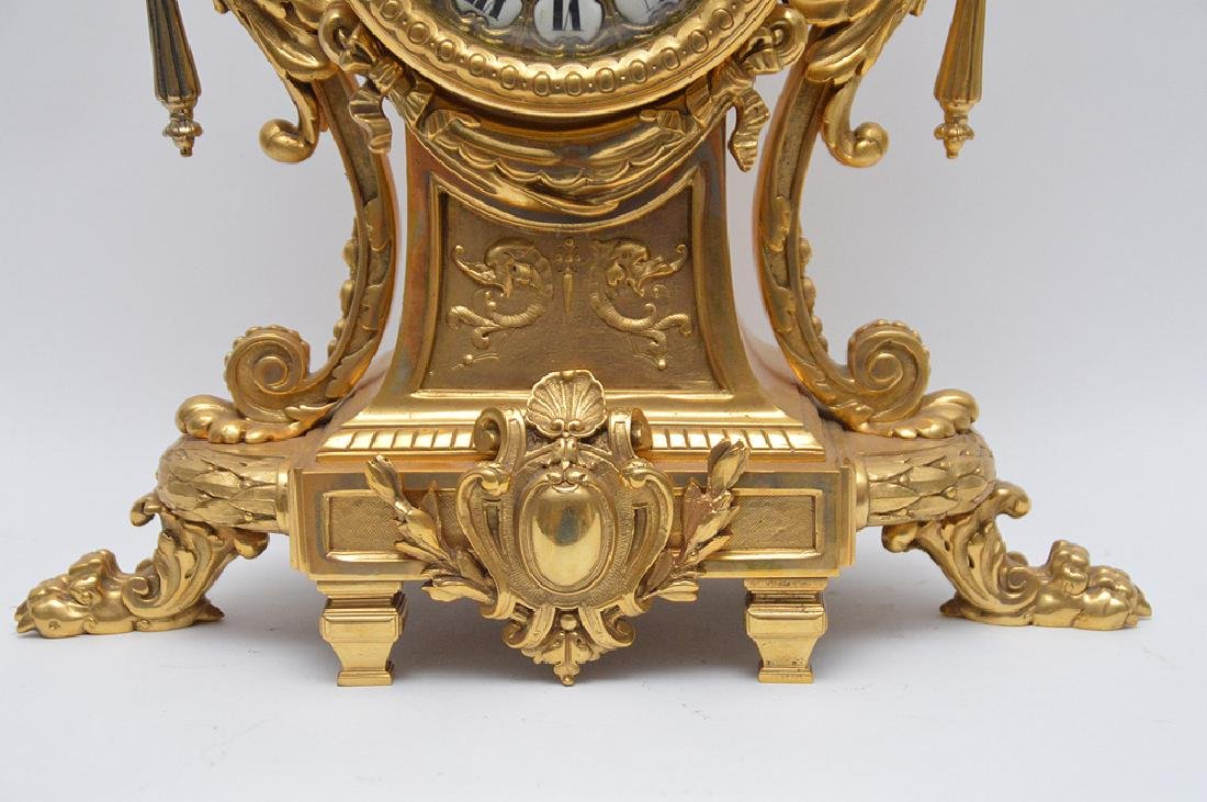 19th Century Gilt Bronze Figural Angel Clock with time - 2
