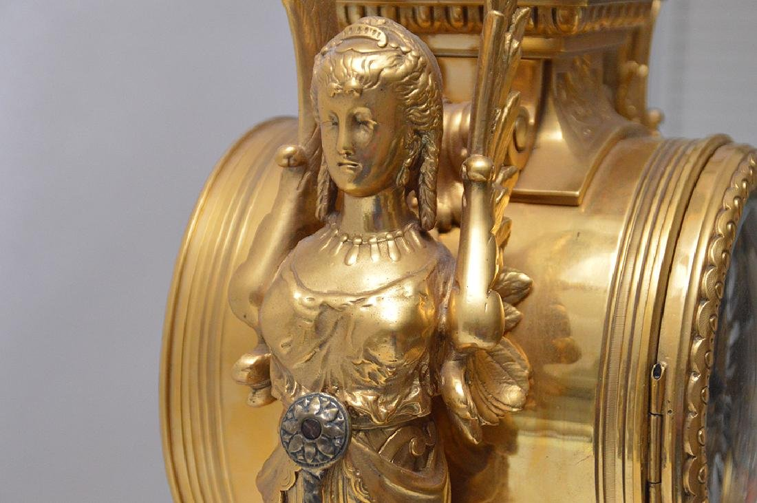 19th Century Gilt Bronze Figural Angel Clock with time - 5
