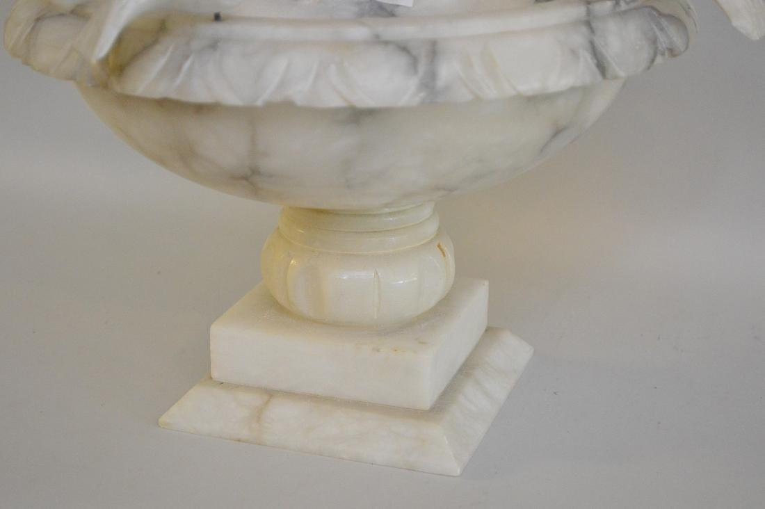 Italian alabaster centerpiece Classical bird bath form - 3