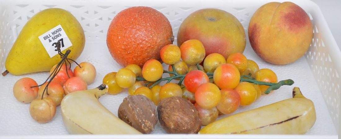 11 pieces assorted stone fruit