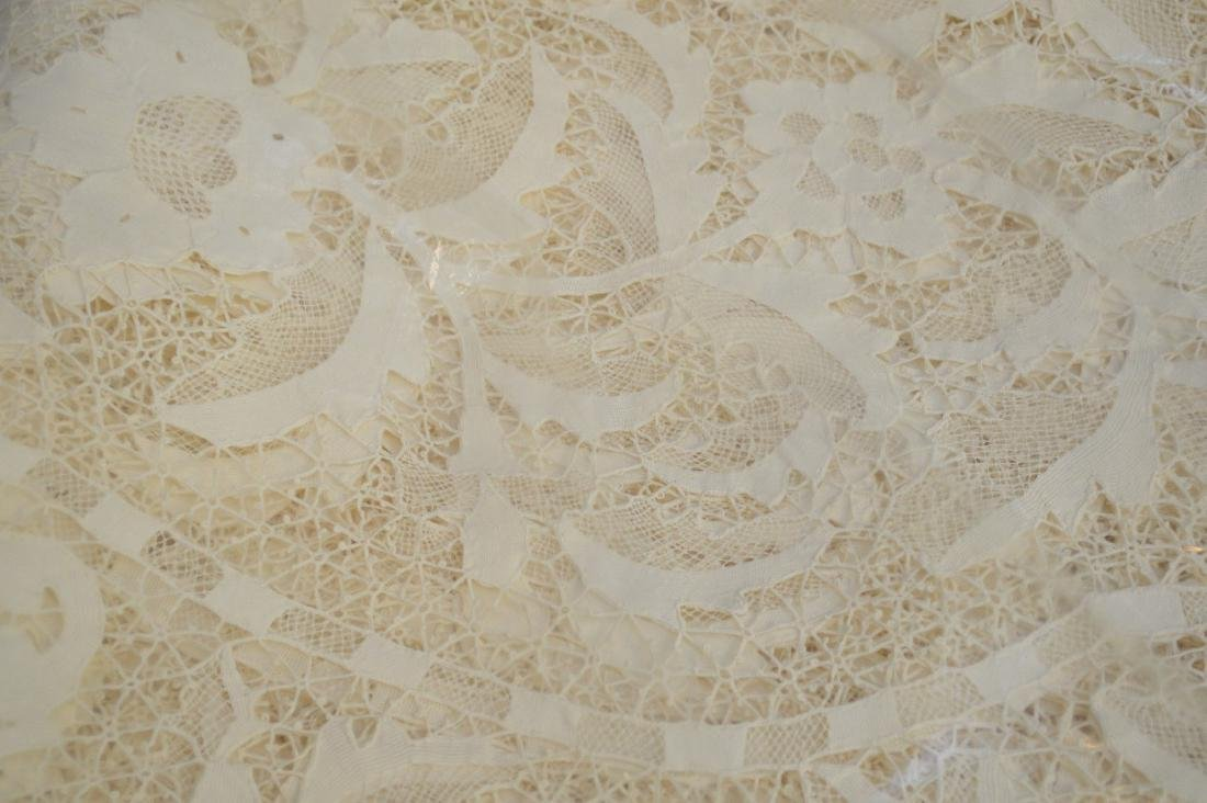 Handmade antique lace cloth, ecru color and wide lace - 4