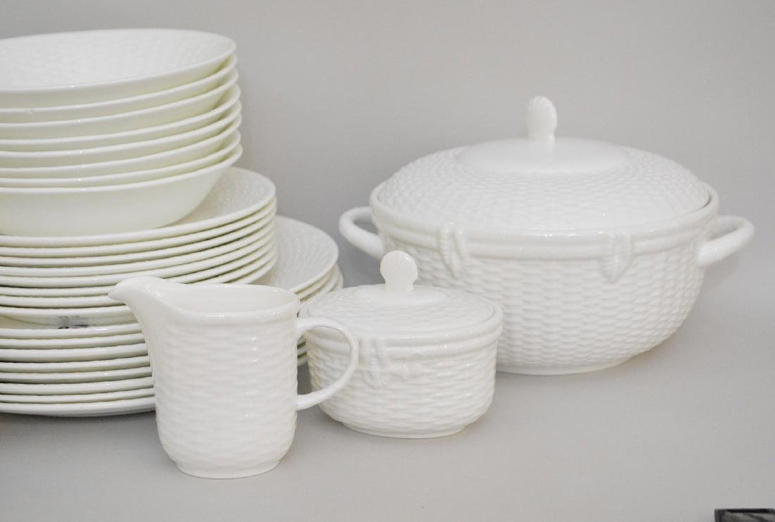 "Wedgwood china service, ""Nantucket"", incl; 8 dinner - 7"