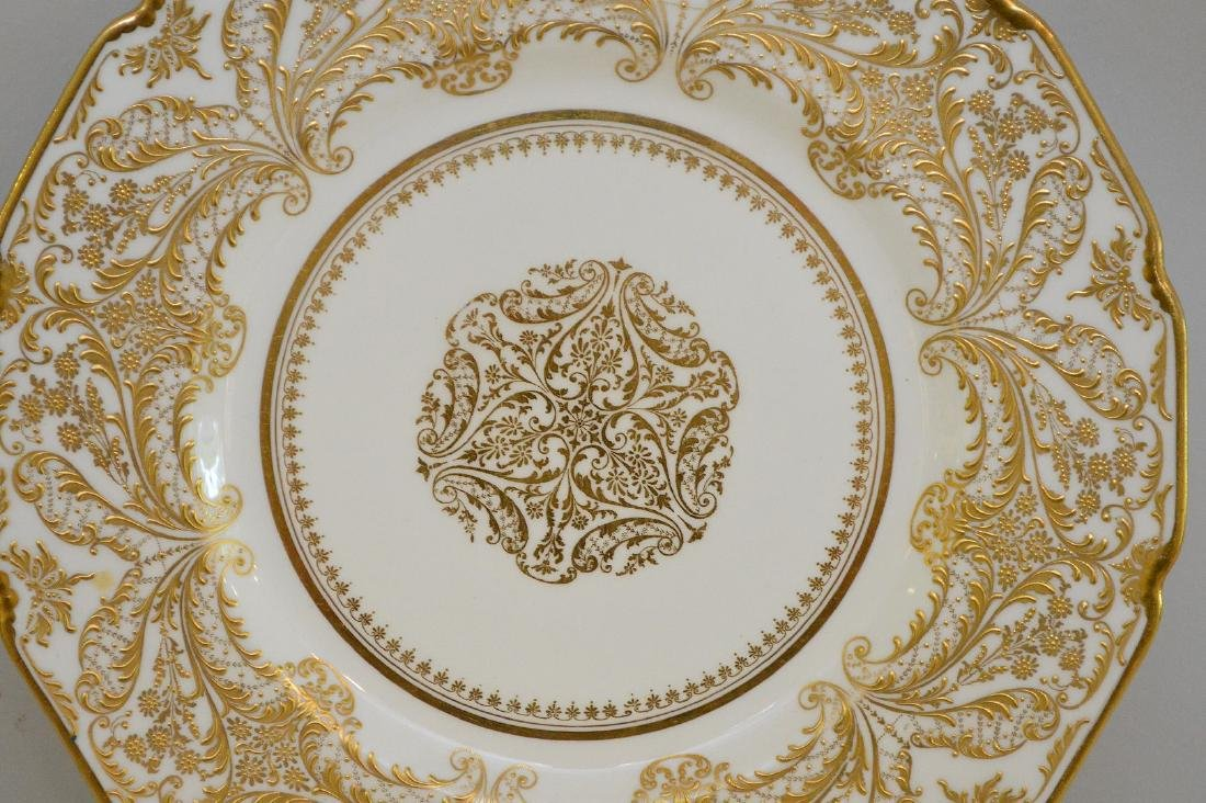 12 Royal Doulton dinner plates with heavy decorated - 4