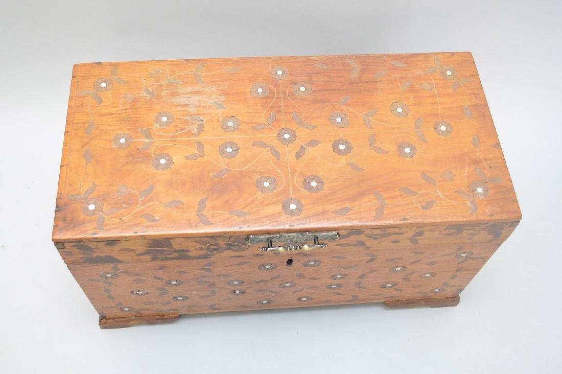 "Continental inlay trunk, 17""h x 30""w - 6"