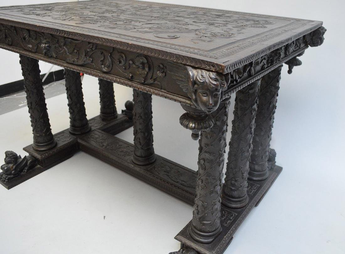 19th Century Italian elaborately carved walnut - 3