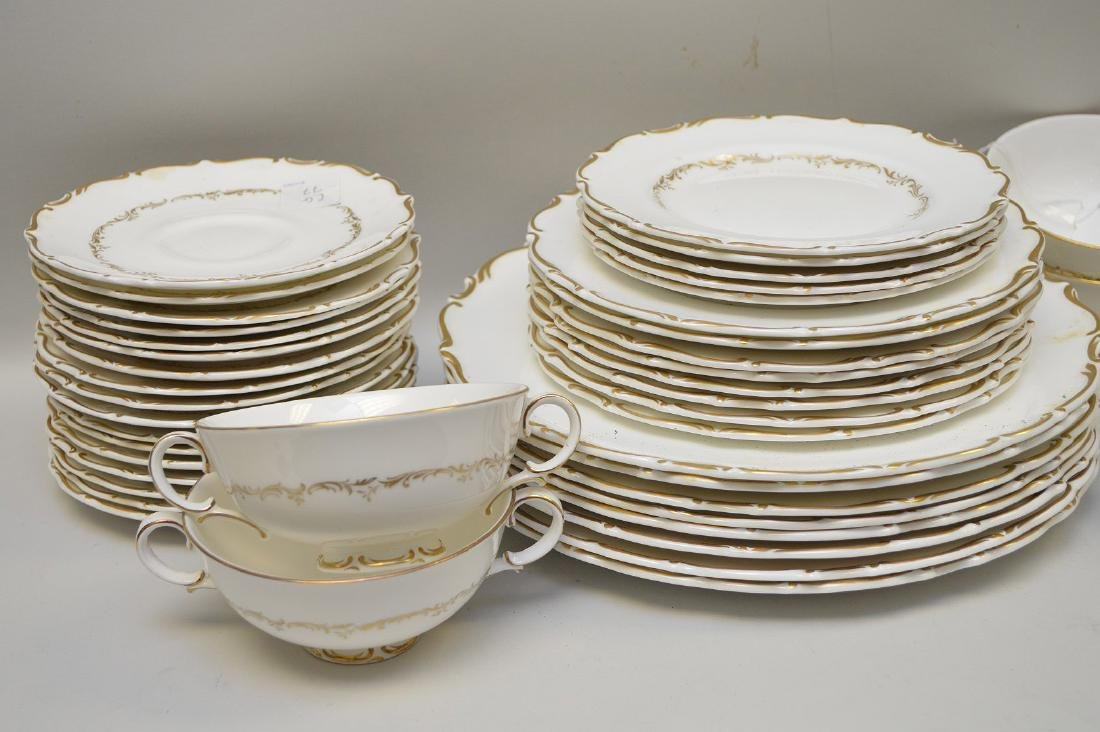 Approximately 56 pieces, Royal Doulton chinaware with - 2