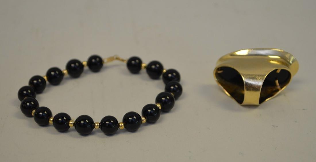 Black onyx ring, 14kt gold and beaded bracelet - 3