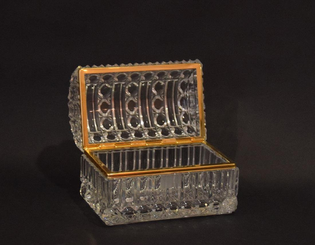 CRYSTAL & GLASS BOX with hinged top.  Condition: good - 2