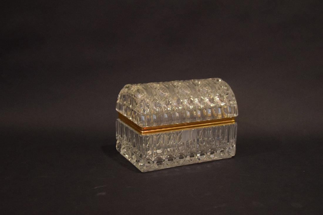 CRYSTAL & GLASS BOX with hinged top.  Condition: good - 6
